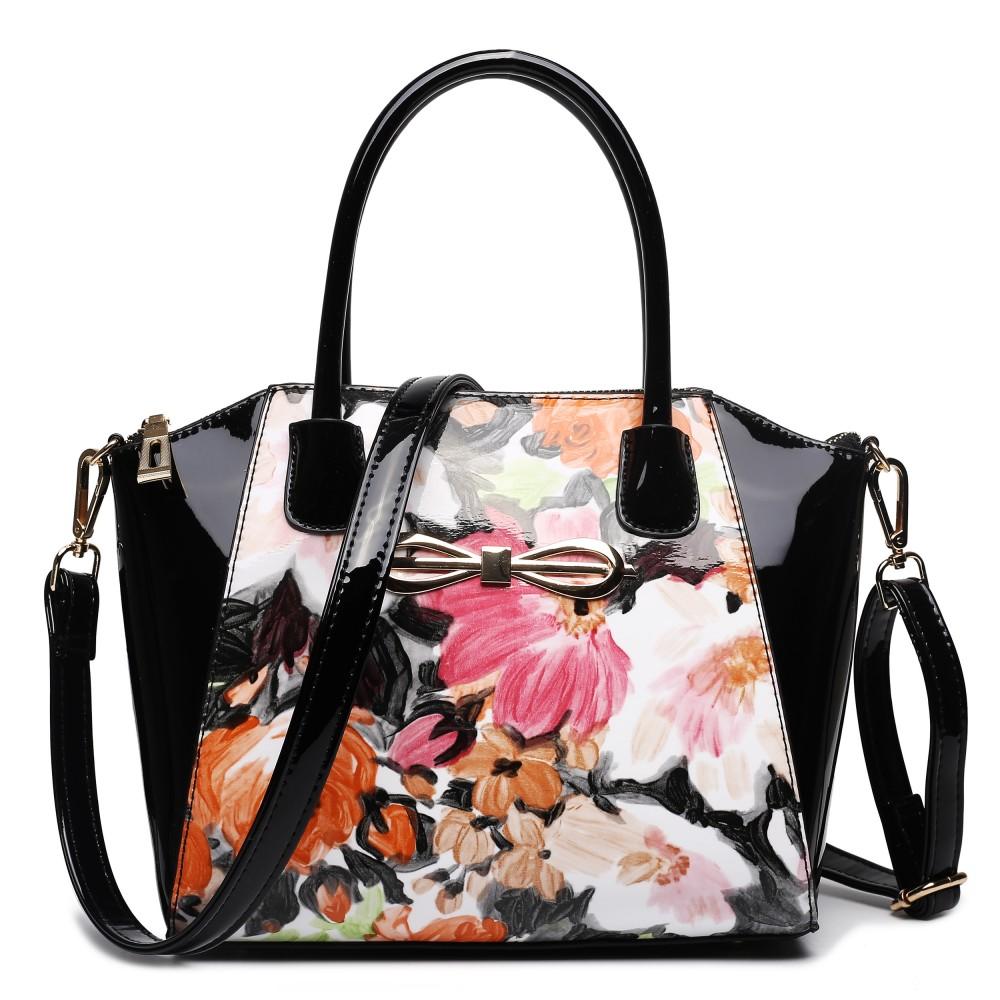 Moderná čierna lakovaná kabelka s kvetmi Miss Lulu