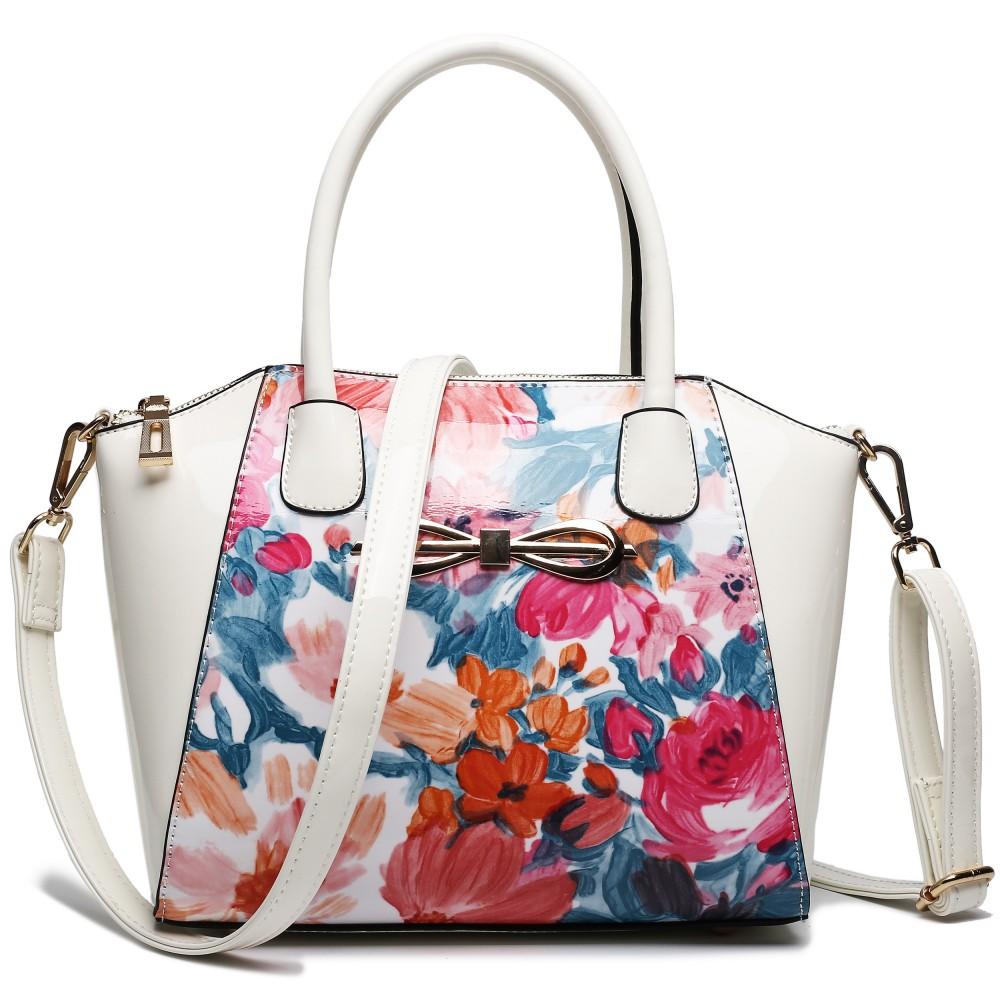 Moderná béžová lakovaná kabelka s kvetmi Miss Lulu
