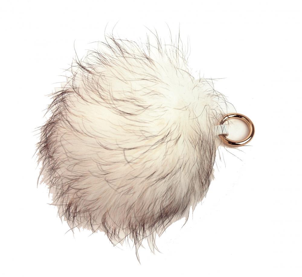 Bílá kožešinová bambule z lišky - přívěsek na kabelku