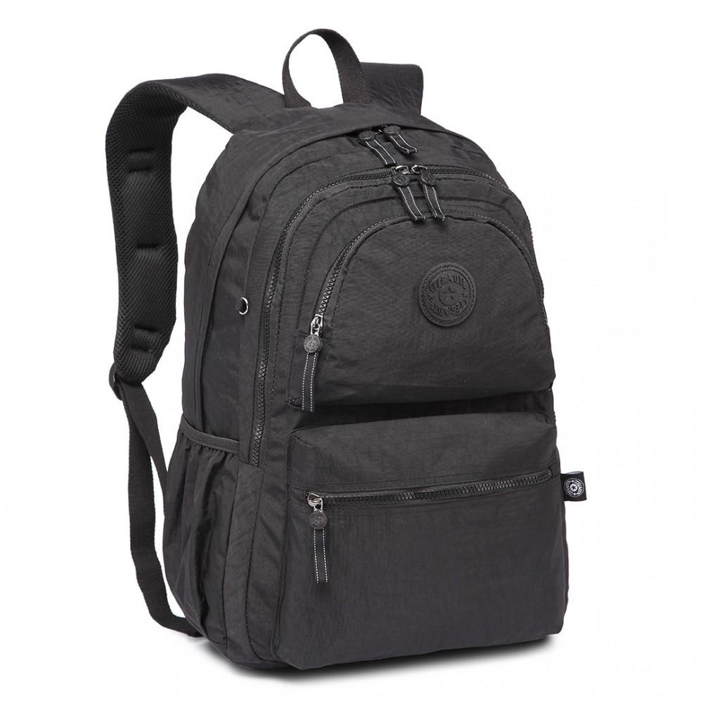 Kvalitný čierny batoh s vodoodpudivou povrchovou úpravou Miss Lulu