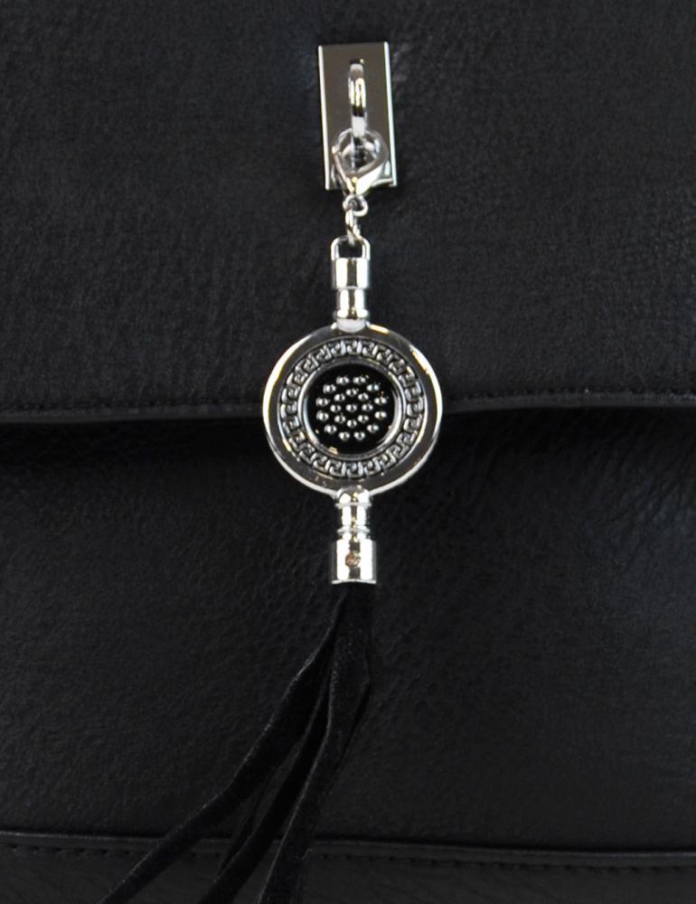 Menší crossbody kabelka s přívěskem 1993-BB černá
