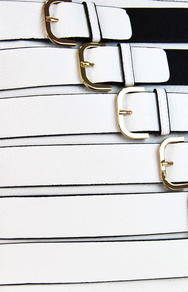 Moderná crossbody kabelka so zlatými prackami 2124-BB čierna