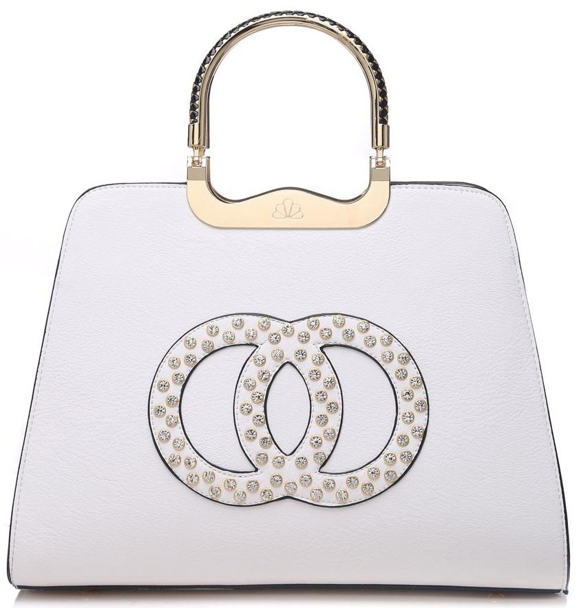 Módna biela kabelka s ozdobnými kruhmi K2628