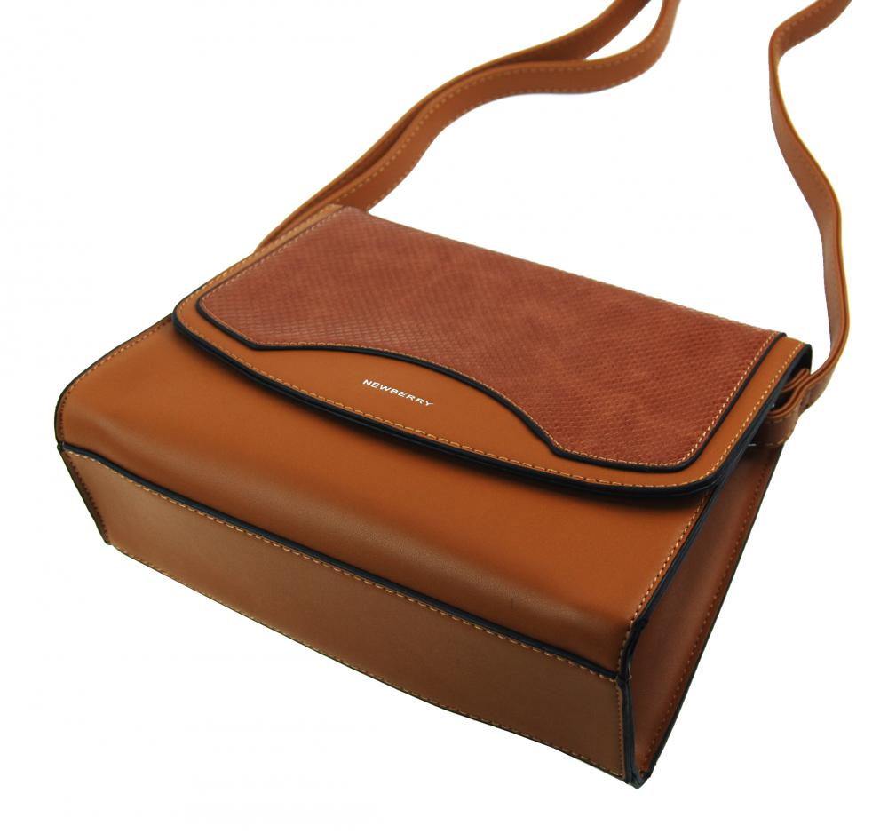 Hnedá crossbody dámska kabelka v hadím dizajne NEW BERRY