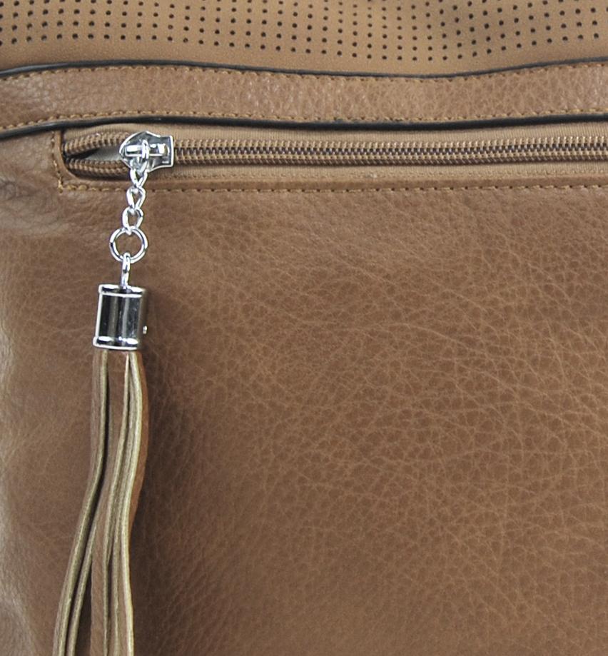 Stredne veľká mliečno hnedá crossbody dámska kabelka NH8147