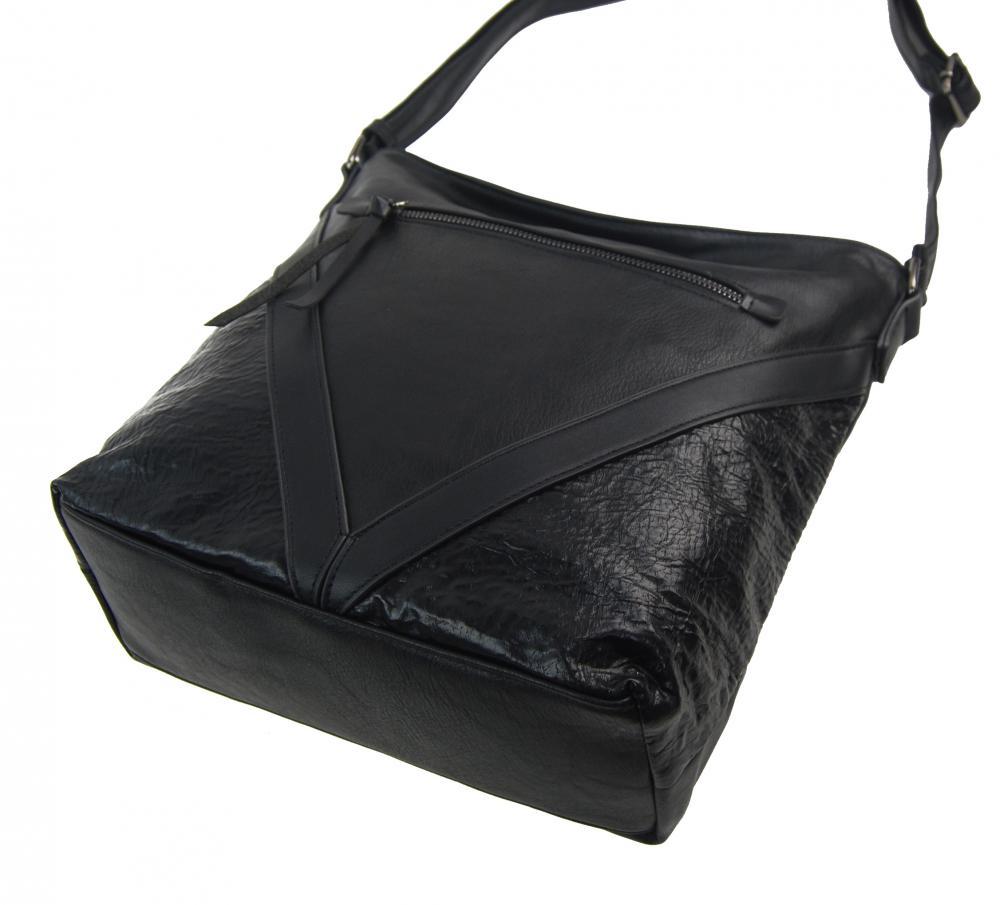 Černá středně velká crossbody dámská kabelka XH5047