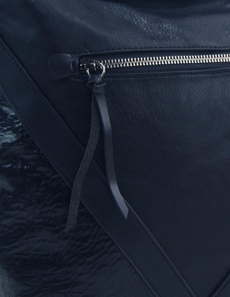 Tmavě modrá středně velká crossbody dámská kabelka XH5047