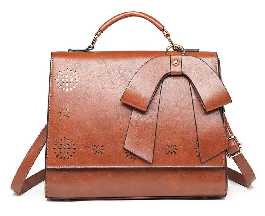 Hnedá elegantná dámska kabelka s perforovaným vzorom Miss Lulu