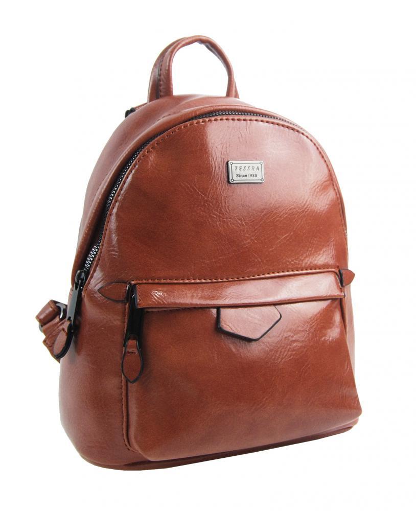 TESSRA Malý hnědý lesklý dámský batůžek / kabelka 4827-TS
