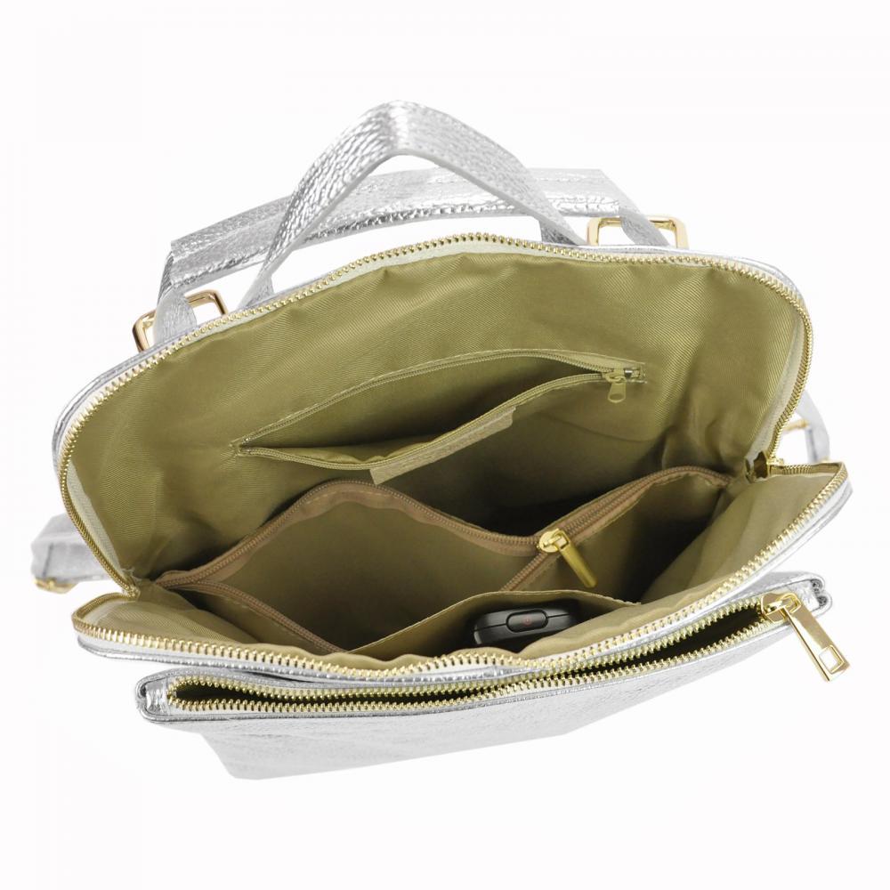 Kožený dámsky módny batôžtek s čelným vreckom Patrizia Piu zlatý