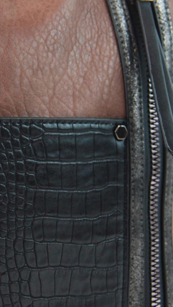 Dámska crossbody kabelka s čelnou kroko kapsičkou F-014 starorůžová