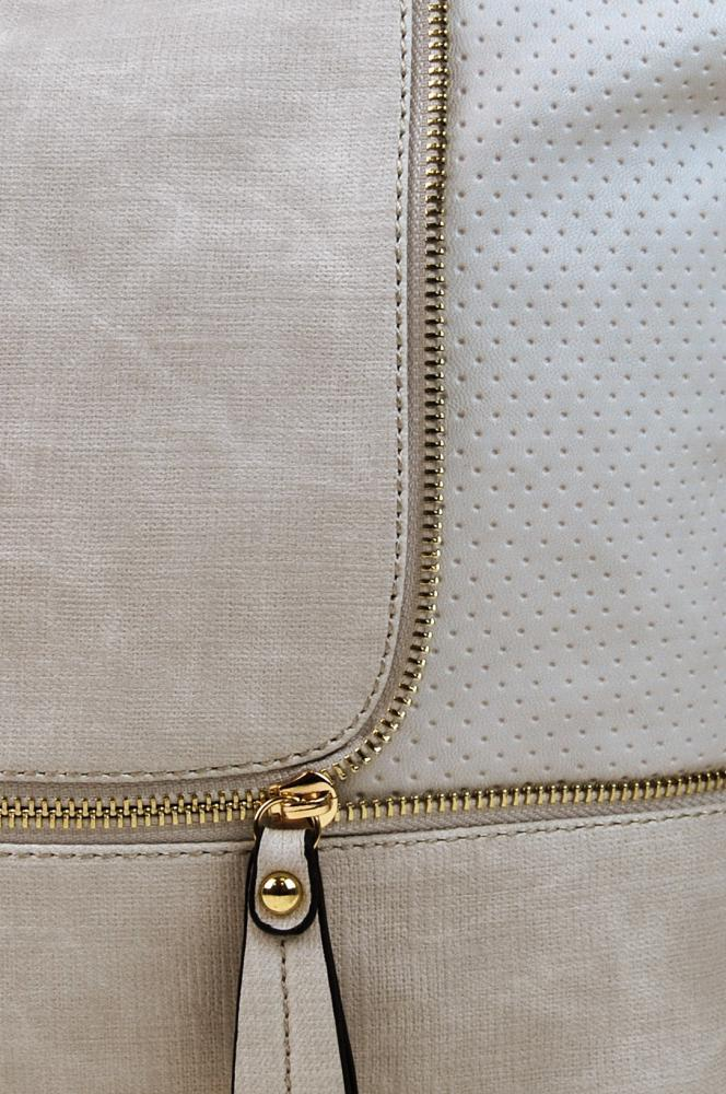 Módní crossbody kabelka se zlatými doplňky F1379 světle hnědá