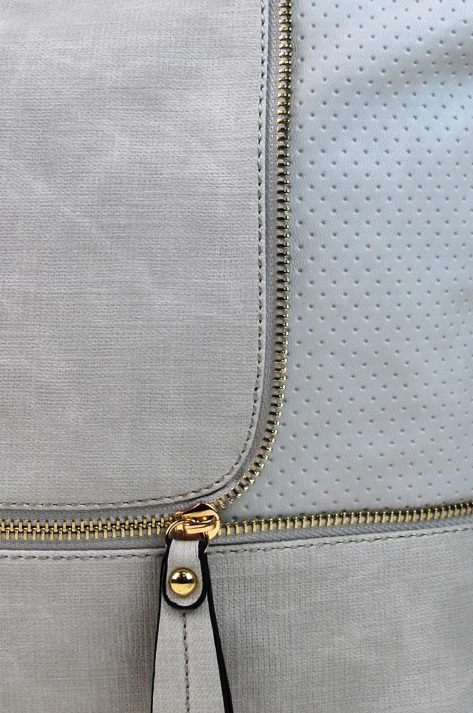 Módní crossbody kabelka se zlatými doplňky F1379 světle šedá