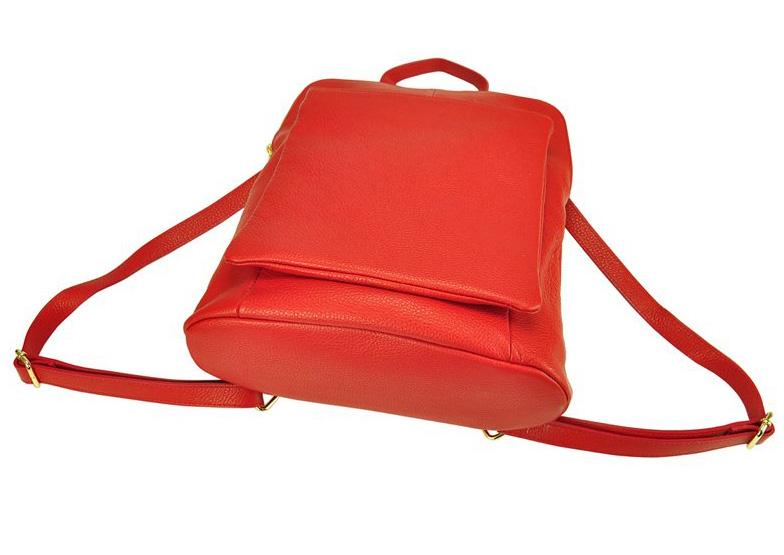 Kožený dámský módní batůžek s čelní kapsou Patrizia Piu bílý