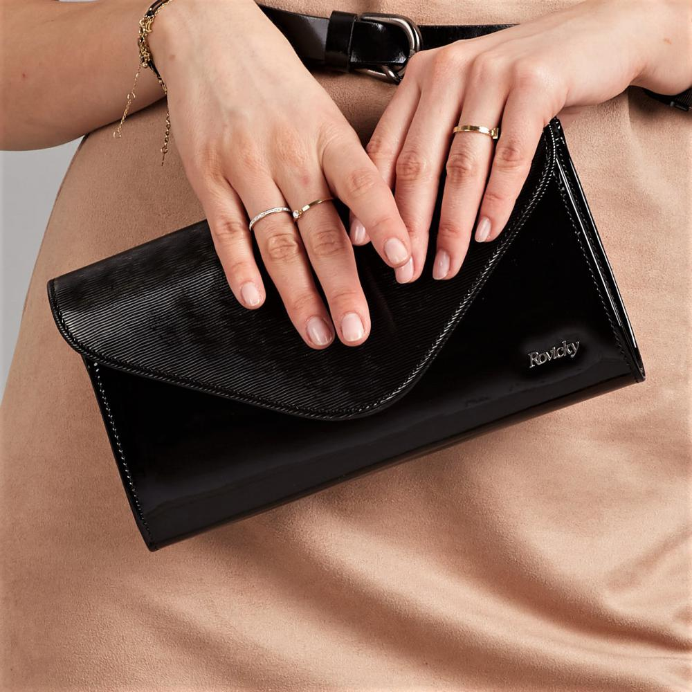 Čierna lakovaná dámska listová kabelka W35 ROVICKY