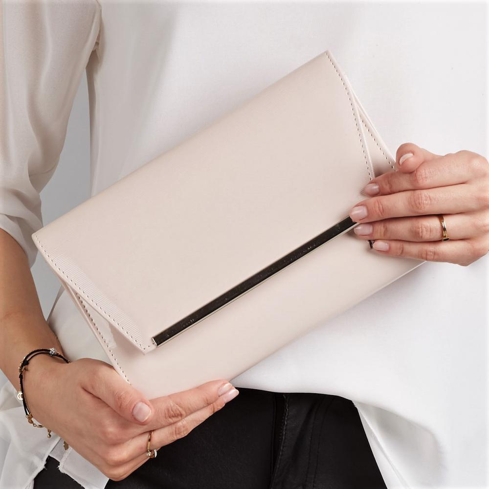 Svetlo púdrová lakovaná luxusná dámska listová kabelka W52 ROVICKY