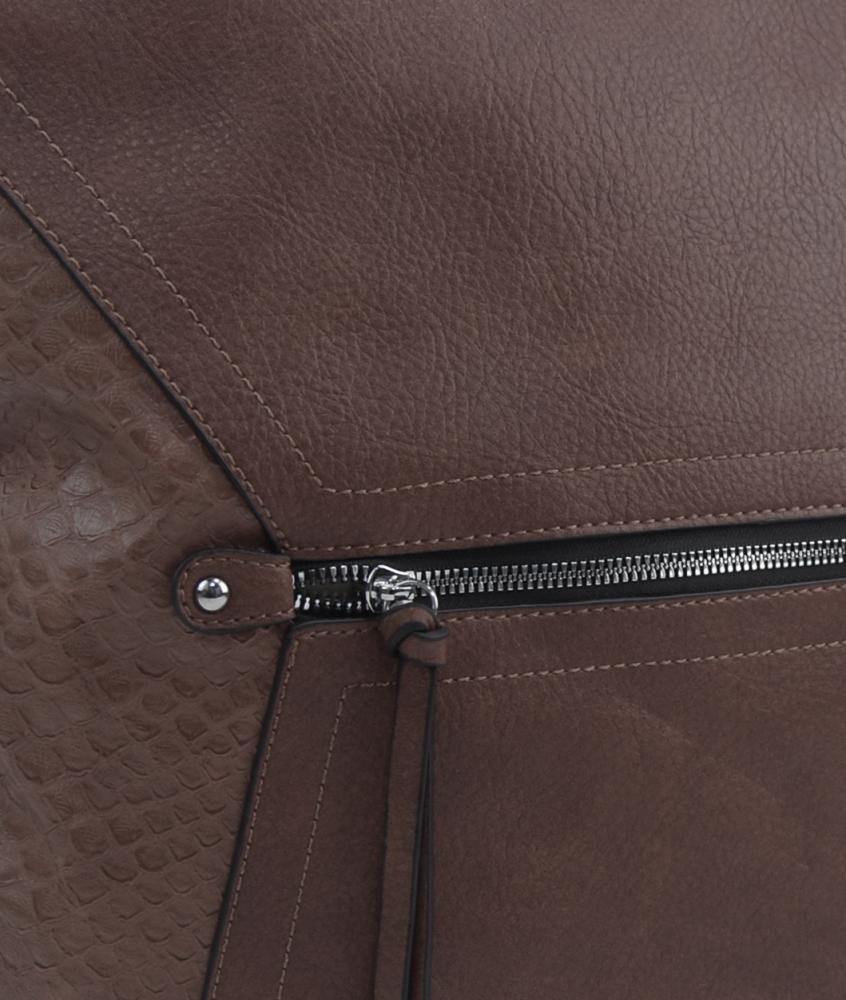 Veľká prírodne hnedá dámska crossbody kabelka s čelnou priehradkou